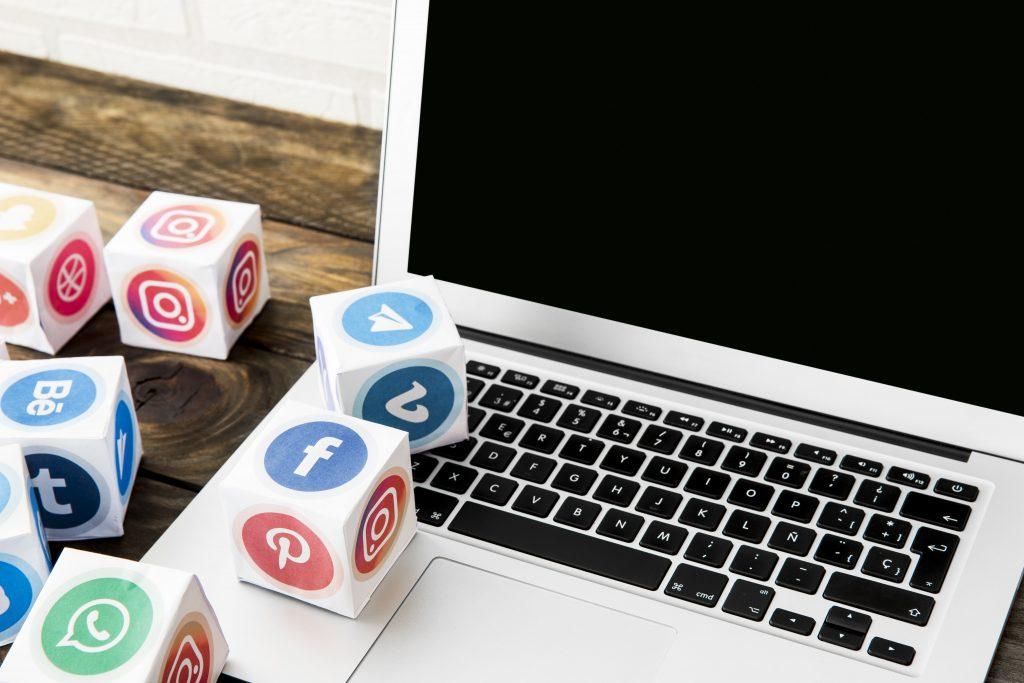social media icons - bricks